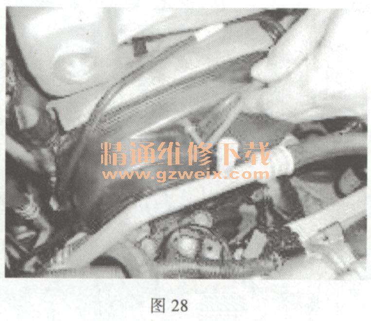 奇瑞QQ 1 .3 L SQR473 发动机正时链条拆卸方法高清图片