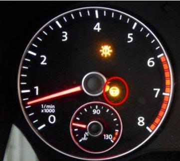 众新速腾转向机故障灯黄灯报警高清图片