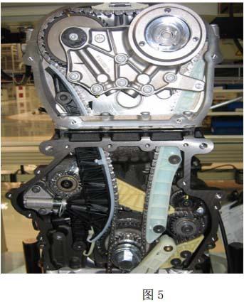 大众迈腾1.8T发动机更换正时链条张紧器后发动机怠速抖动高清图片